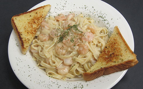 (20) Fettuccini & Shrimp with Alfredo Sauce & Garlic Toast